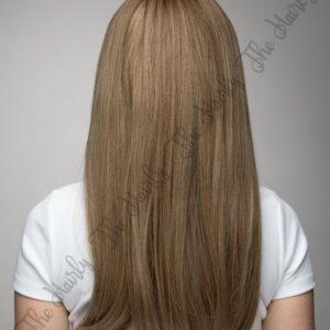 włosy syntetyczne w blondzie