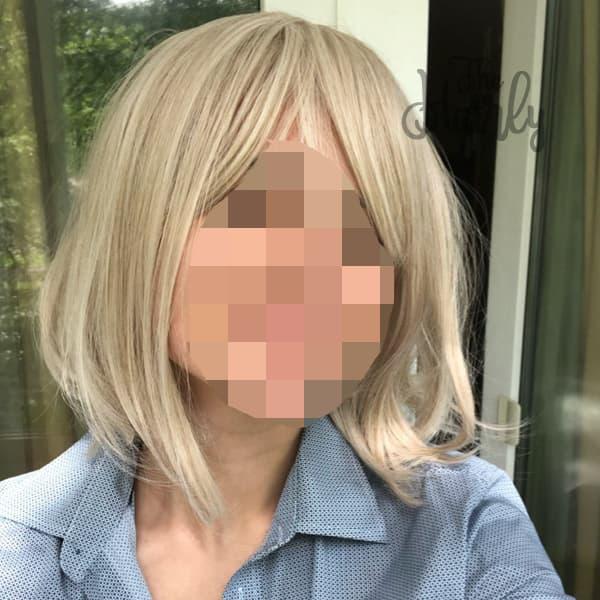 Peruka syntetyczna blond do ramion