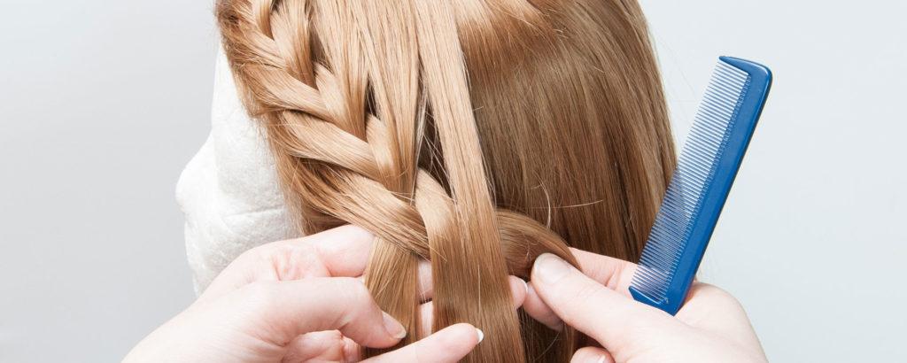 jak układać perukę syntetyczną