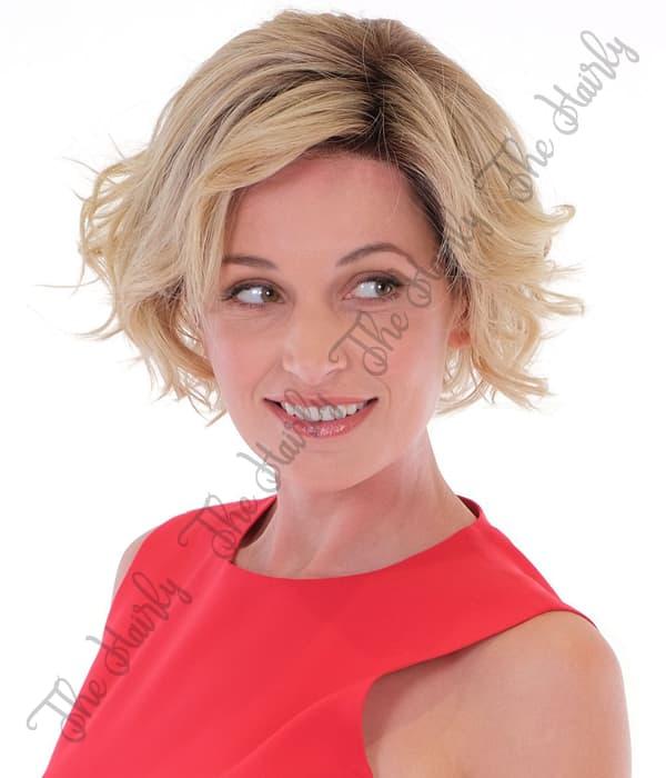peruka syntetyczna blond