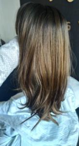 Peruka syntetyczna brąz z pasemkami blond cieniowane włosy proste z grzywką photo review