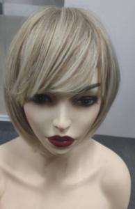 Peruka syntetyczna cieniowany blond bob z naturalnym odrostem i grzywką photo review