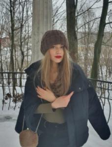 Peruka syntetyczna chłodny blond z odrostem nowa kolekcja photo review