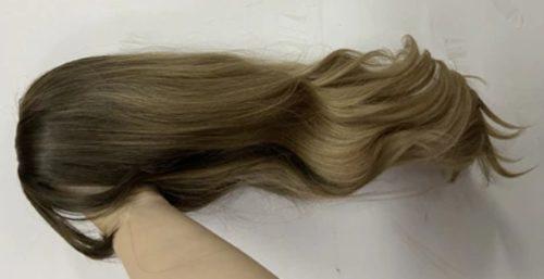 Peruka syntetyczna Ciemny Blond Ombre Grzywka Falowane photo review